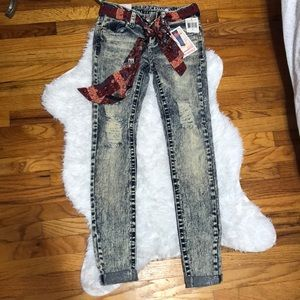 Almost Famous Ripped Jeans | Size 0 |